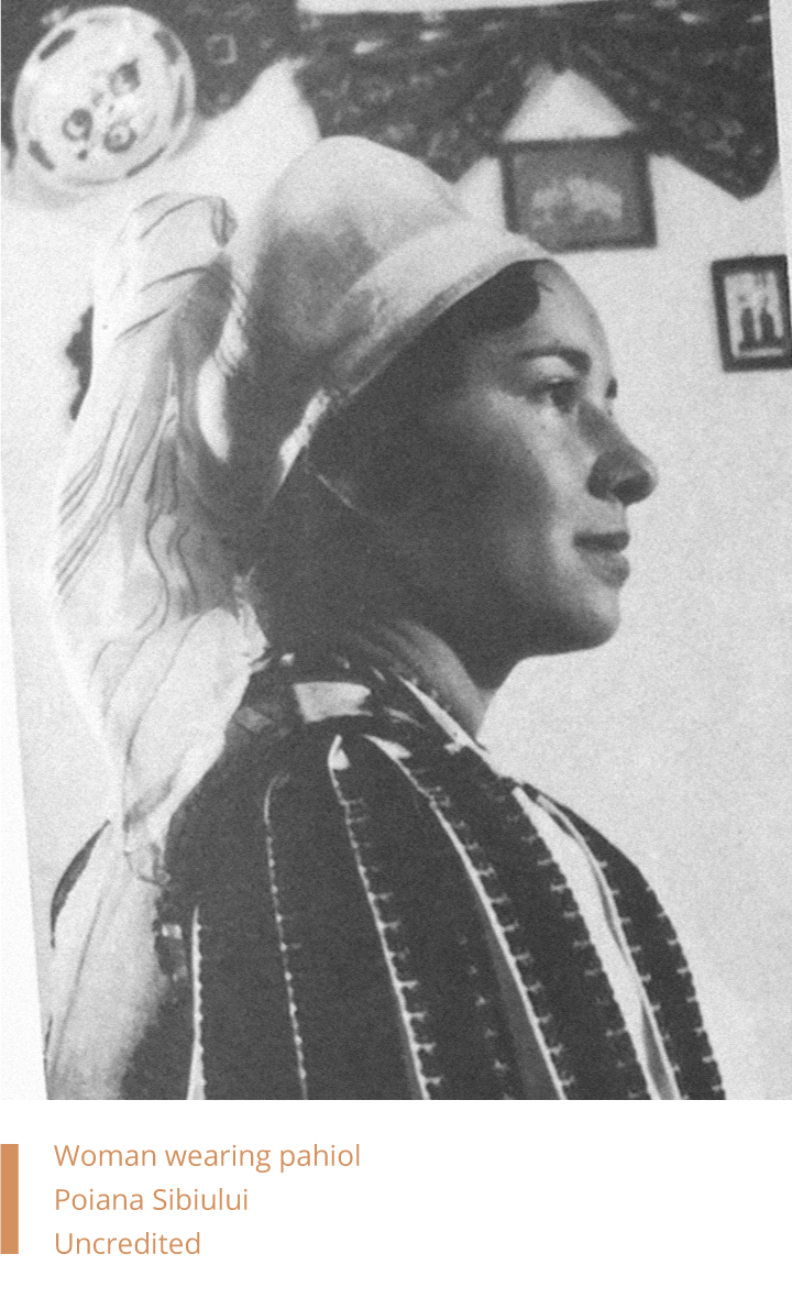 Woman wearing pahiol in Poiana Sibiului. Uncredited