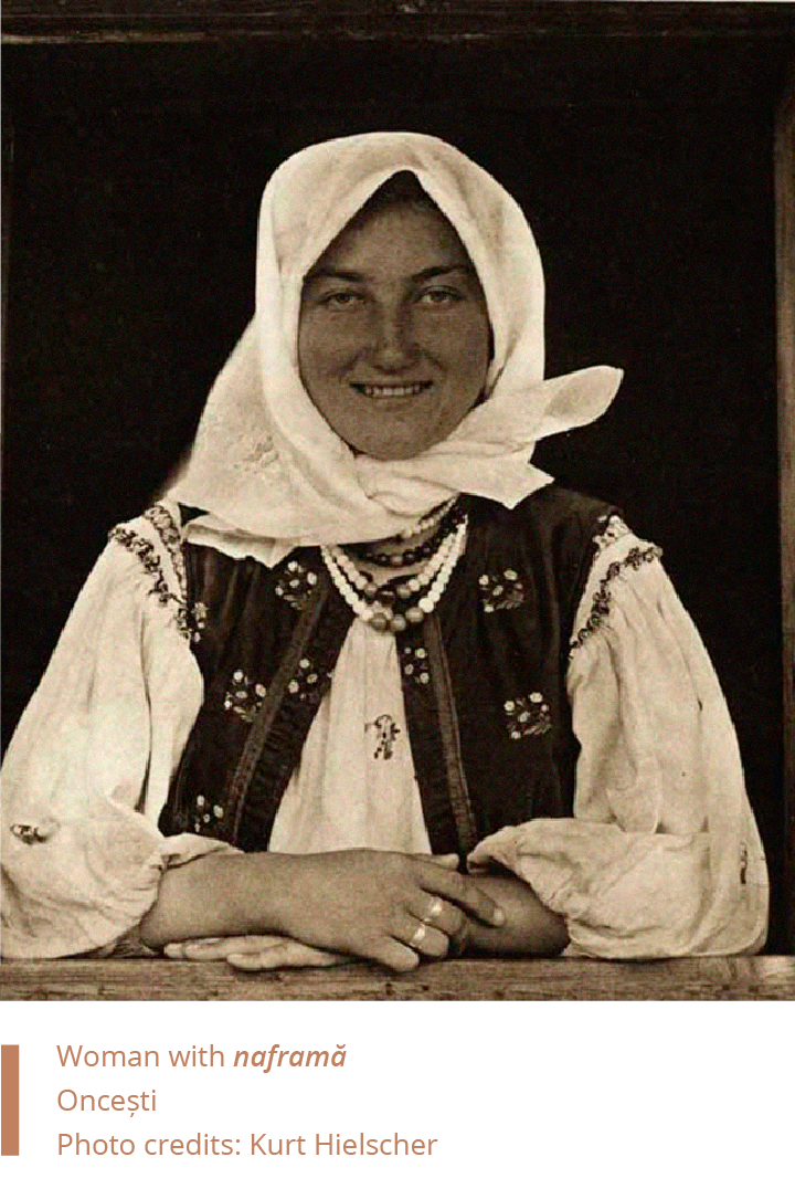 Folkwear-Society-Typology-woman-naframa-maramures